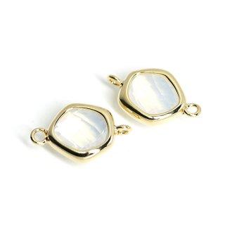 【2個入り】プチ歪み形White Opalカラーガラスのゴールドコネクター、チャーム