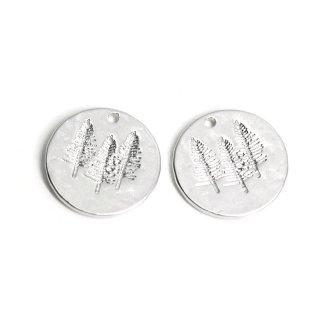 【2個入り】コイン状に刻まれたTreeモチーフのマットシルバーペンダント、チャーム