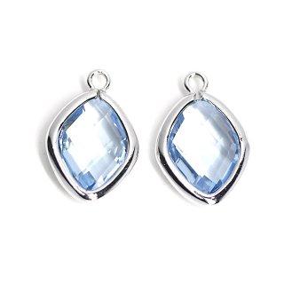 【2個入り】Light Sapphireカラーガラス16mmダイヤモンド形シルバーチャーム