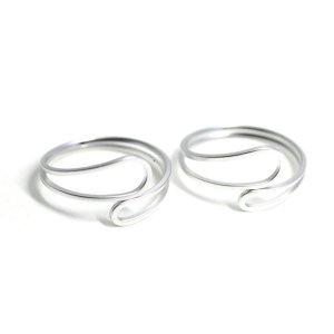 【2個入り】Circular Twist マットシルバーフリーリング、指輪