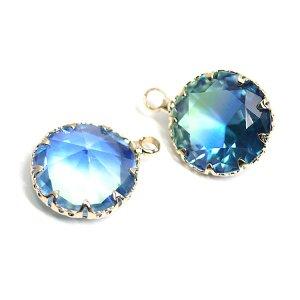 【1個】グリーン&ブルーの2色ガラス円形ゴールドチャーム