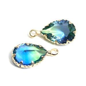 【1個】グリーン&ブルーの2色ガラスしずく形ゴールドチャーム
