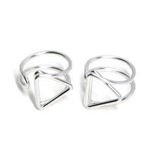 【2個入り】存在感ある三角形モチーフのマットシルバーフリーリング、指輪