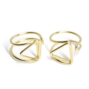 【2個入り】存在感ある三角形モチーフのマットゴールドフリーリング、指輪