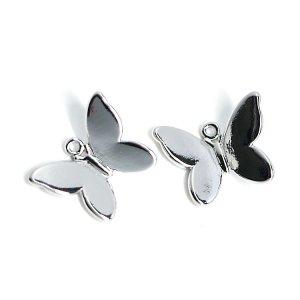 【2個入り】蝶が舞う!立体的な蝶モチーフの光沢シルバーチャームパーツ、パーツ