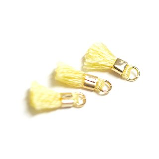 【6個入り】刺繍糸tasselヒヨコイエローカラーミニタッセル|ハンドメイド材料|アクセサリーパーツ