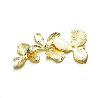 【1個】バラして使えるTriple Flower(トリプルフラワー)マッドゴールドチャーム、パーツ