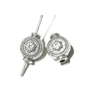 【20個入り】繊細ディテールの円形 銀古美アンチックスペーサー金具、パーツ