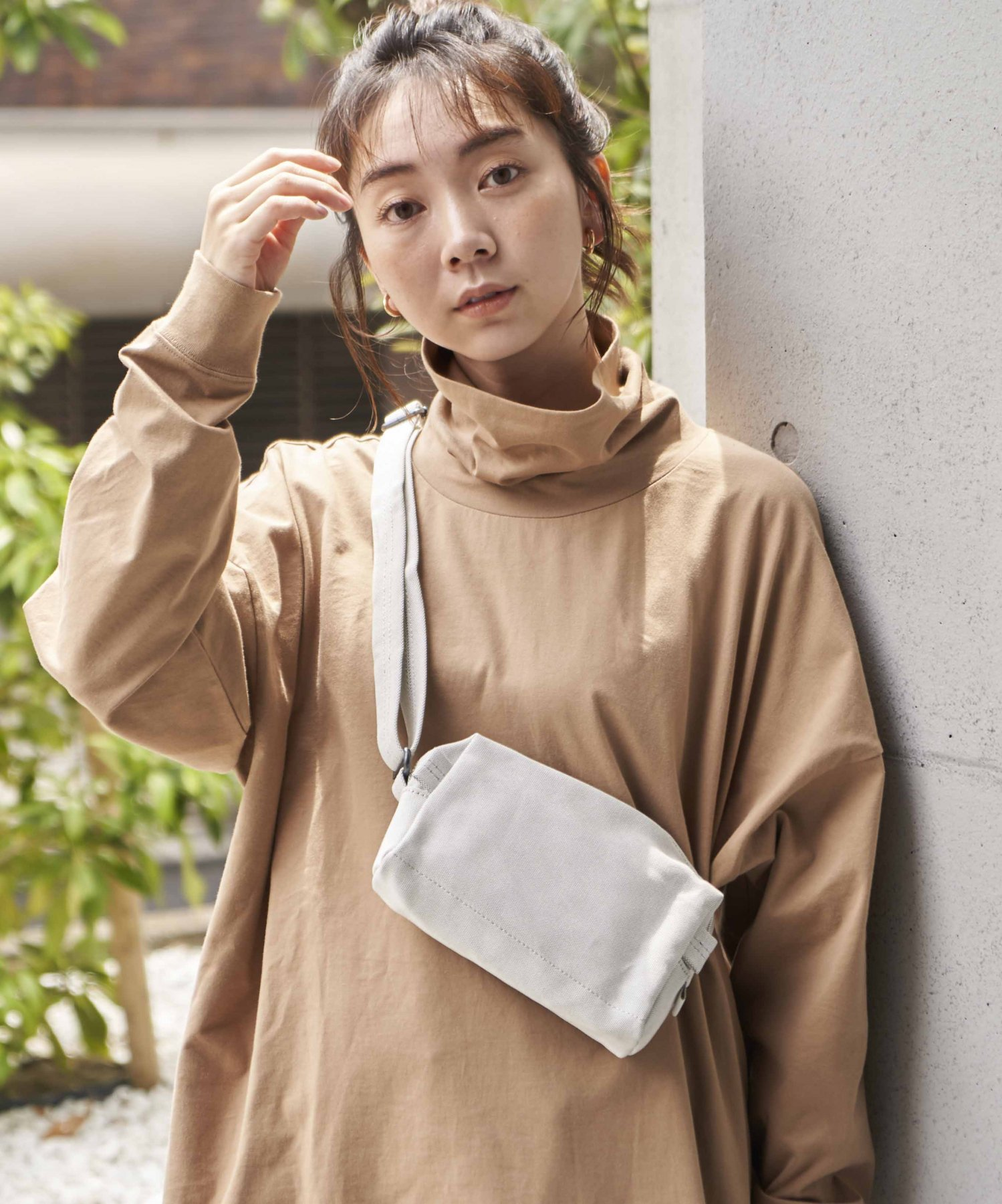 <img class='new_mark_img1' src='https://img.shop-pro.jp/img/new/icons15.gif' style='border:none;display:inline;margin:0px;padding:0px;width:auto;' />【QWSTION】HIP POUCH / BANANATEX® L.GRY