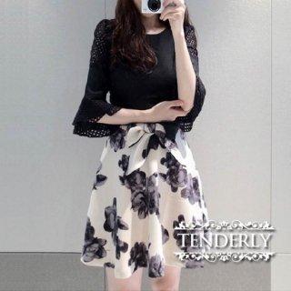 メッシュのフリル袖がフェミニンな花柄ドッキングワンピース /S/M/L/XLサイズ
