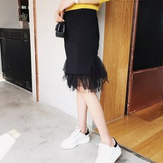 チュールとニットの膝丈マーメイドスカート