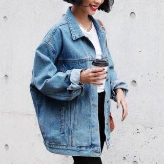 オーバーサイズのブリーチデニムジャケット ビッグシルエットGジャン