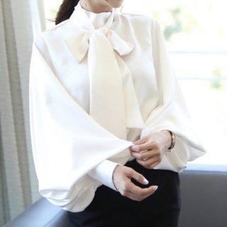 ドレッシーなハイネックリボンタイ ボリューム袖サテンブラウス 2色