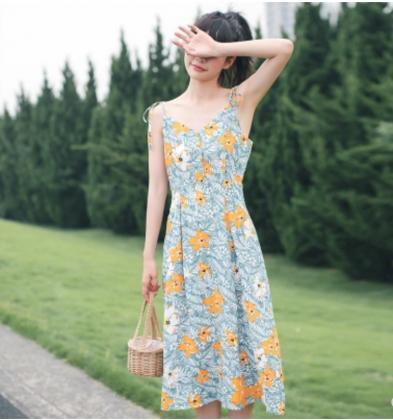 華奢な肩紐&花柄 プリントキャミソール ミモレ丈ワンピース
