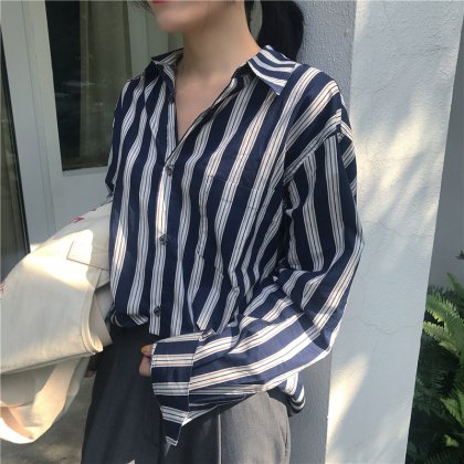 定番アイテム シンプルだけどおしゃれなストライプ柄の長袖シャツトップス 3色