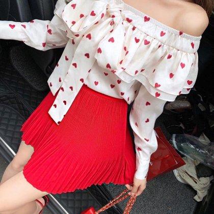 白×赤のハート柄がキュートなプリーツスカートのセットアップ ワンピース