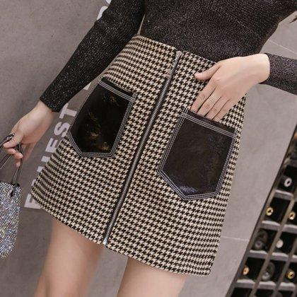 千鳥格子柄と大きめポケットがおしゃれなミニ丈のフロントジップスカート