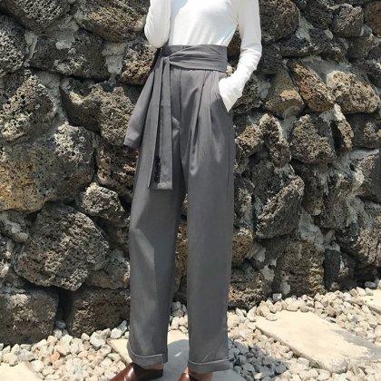 腰巻風のウエストデザインがおしゃれなワイドシルエットのきれいめボトムス パンツ 2色