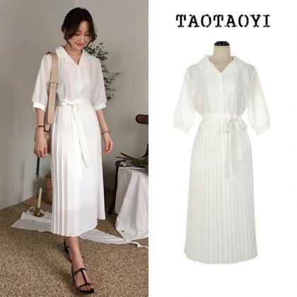 白のワントーンできれいめカジュアルなプリーツスカートのシャツワンピース
