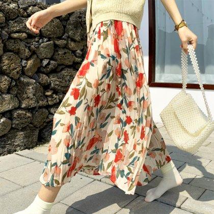 落ち感シフォンのプリーツスカートがオトナかわいいフラワープリントのロングスカート 2色