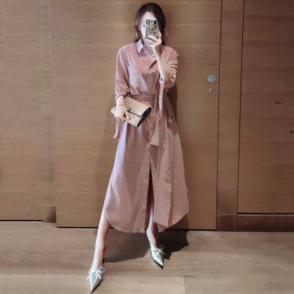 落ち感素材のワントーンがきれいめカジュアルな袖ありロングワンピース シャツワンピ