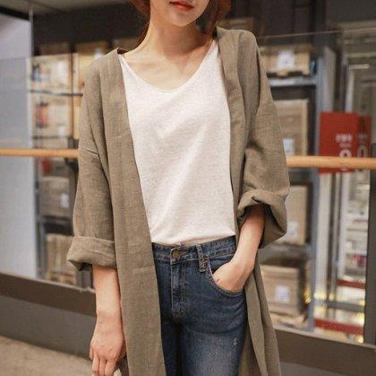 シンプルなワントーンできれいめカジュアルなリネン混の長袖カーディガン スプリングガウン