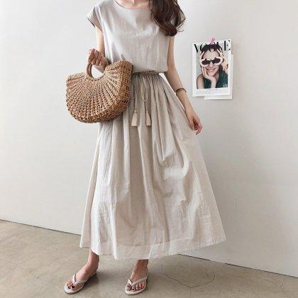 フリンジリボンがおしゃれ 上品ワントーンできれいめカジュアルな半袖ワンピース 2色