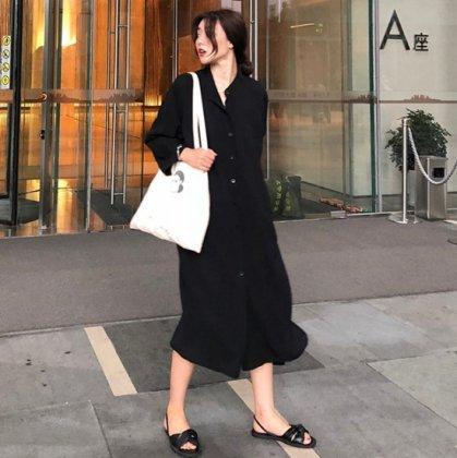 落ち感素材が大人かわいいゆったりシルエットの長袖シャツワンピース 2色