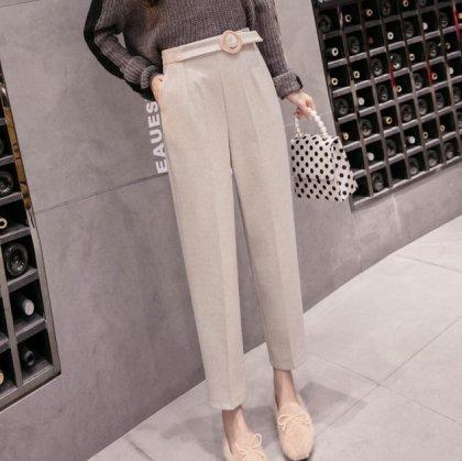 上品カラーできれいめカジュアルなベルト付きテーパードパンツ ボトムス 2色