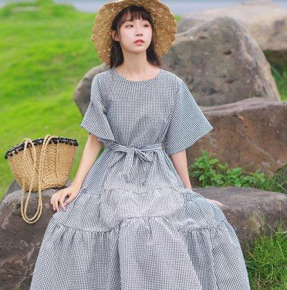 フレアなティアードスカートでガーリーに ギンガムチェックの半袖ロングワンピース 2色