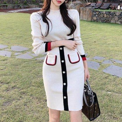レトロスタイルがおしゃれ 長袖ニットのきれいめミディアムワンピース 2色