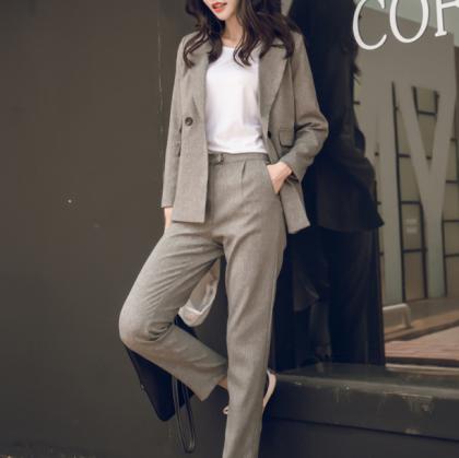 オフィスカジュアルや通勤に Wポケットがおしゃれな美シルエットのパンツセットアップ 2色