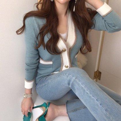 金ボタンでエレガントに 春色ニットの長袖ショート丈カーディガン 2色