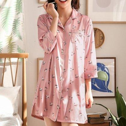 個性的でかわいいキャット柄 ワンピースタイプの前開きおしゃれパジャマ