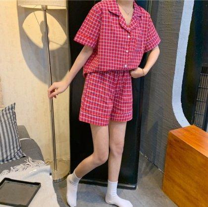 キュートなチェック柄の半袖シャツとショートパンツのセパレート前開きパジャマ 4色