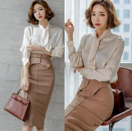 人気の海外デザイン パールがかわいい長袖シャツとタイトスカートのセットアップ