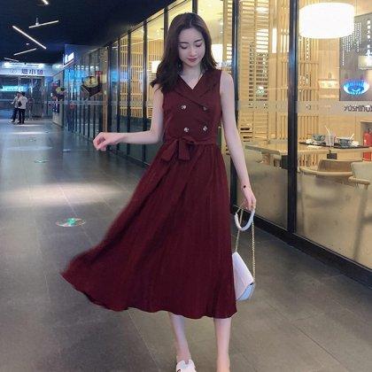 お呼ばれにもおすすめ 上品かわいいプリーツスカートのノースリーブワンピース 2色