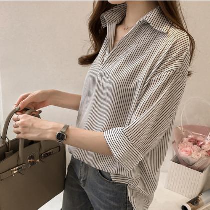 オフィスや通勤におすすめ シンプルでおしゃれなストライプ柄スキッパーシャツ