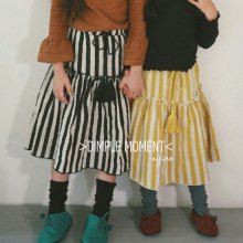ストライプタッセルスカート/Stripe Tassle Skirt<br>Black/Yellow<br>『Dimplemoment』 <br>16FW