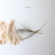 Back open blouse<br>Cream beige<br>『guno.』<br>17SS<br>定価<s>2,600円</s>&nbsp;<b>20%Off</b>