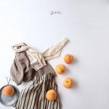 niro gaori blouse<br>Beige<br>『guno.』<br>17FW<br>定価<s>2,800円</s>&nbsp;<b>20%Off</b>