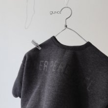 No&#235;l T<br>Charcoal gray<br>『guno・』<br>18FW <br>定価<s>2,900円</s>&nbsp;<b>10%Off</b>