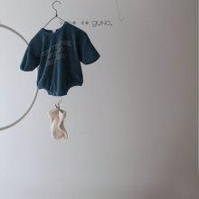 bebe howto suit<br>blue<br>『bebe de guno・』<br>19FW <br>定価<s>3,200円</s><br>