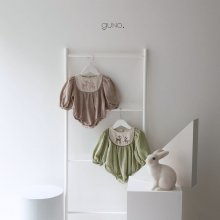 bebe bambi suit<br>2 color<br>『bebe de guno・』<br>20FW<img class='new_mark_img2' src='https://img.shop-pro.jp/img/new/icons13.gif' style='border:none;display:inline;margin:0px;padding:0px;width:auto;' />