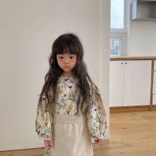 Wildflower apron ops<br>natural<br>『viviennelee』<br>20FW