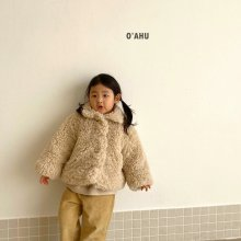 Atte fur jacket<br>With MOM <br>『O'ahu』<br>20FW 【PRE ORDER】<img class='new_mark_img2' src='https://img.shop-pro.jp/img/new/icons13.gif' style='border:none;display:inline;margin:0px;padding:0px;width:auto;' />