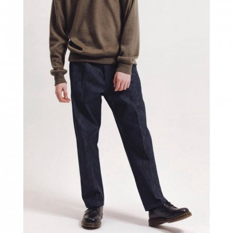 <img class='new_mark_img1' src='//img.shop-pro.jp/img/new/icons3.gif' style='border:none;display:inline;margin:0px;padding:0px;width:auto;' />  MAIDEN NOIR / Pleated Denim Trouser - indigo