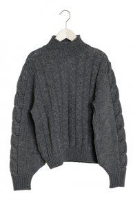 VOLUME SHOULDER CABLE KNIT/gray