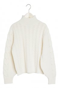 VOLUME SHOULDER CABLE KNIT/white