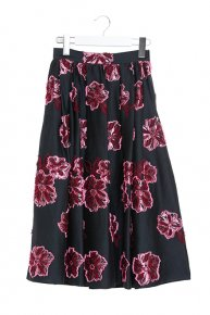 FLOWER TUCK SKIRT/black x magentapink